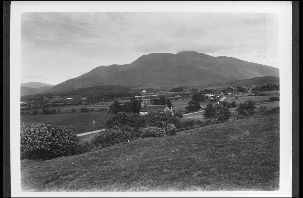 Taynuilt, Argyll, from West.