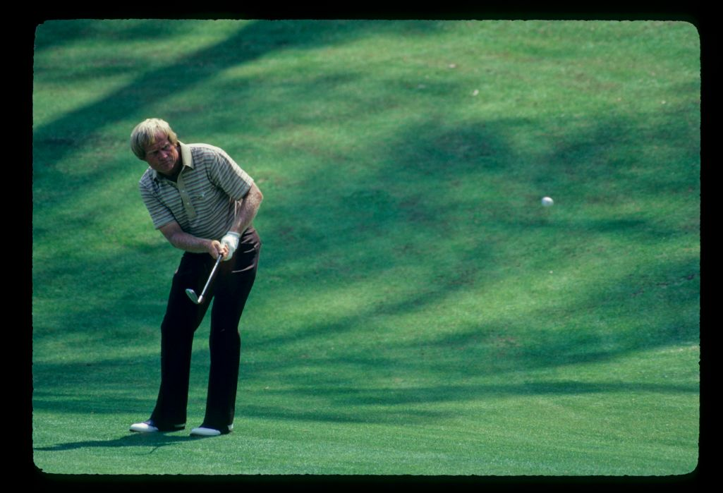 Jack Nicklaus plays his chip shot to the green at the 1981 Masters