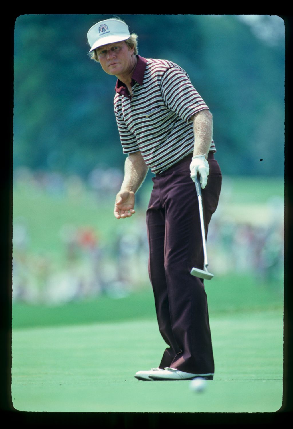 Jack Nicklaus pointing accusingly with his putter during the 1981 USPGA