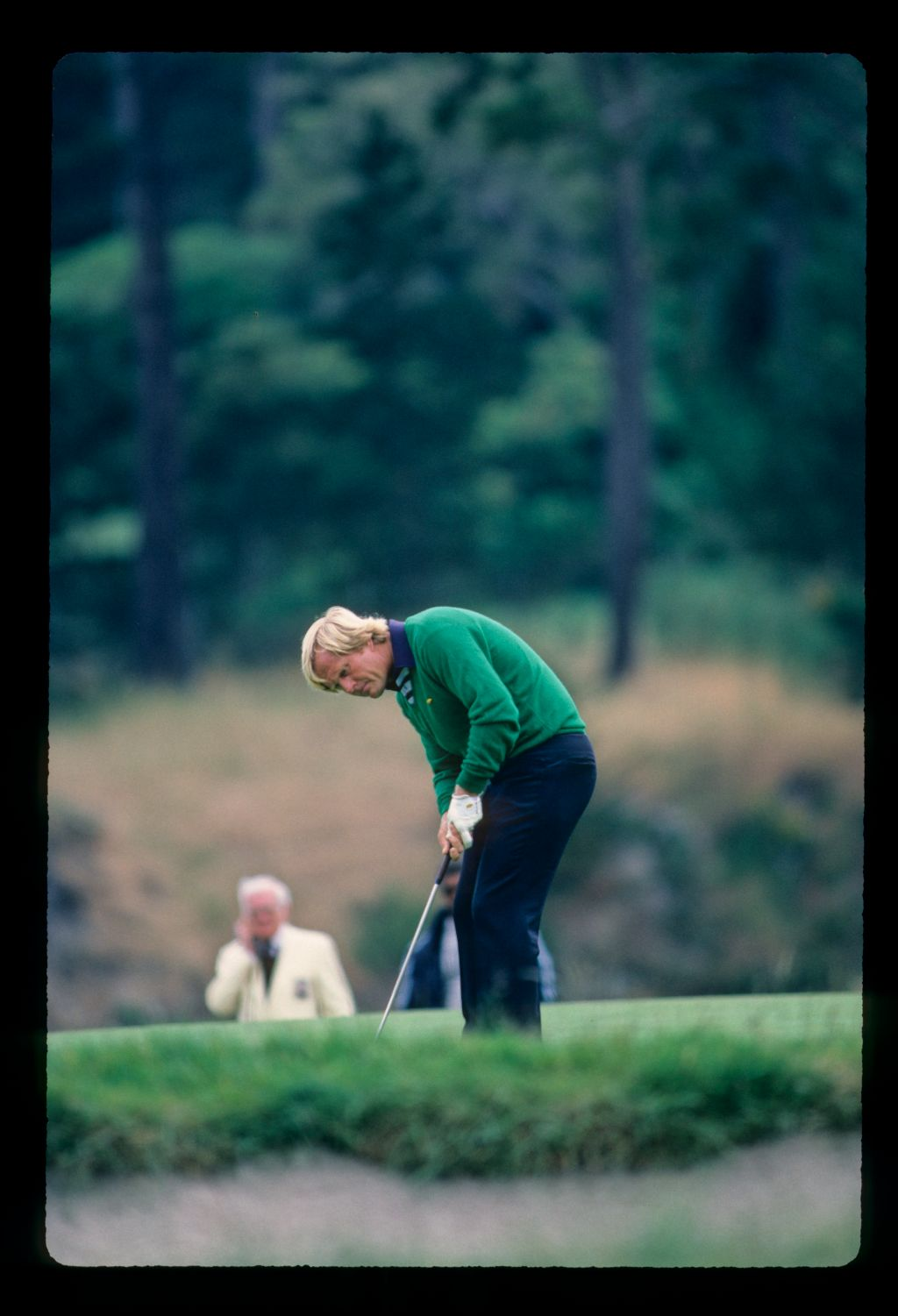 Jack Nicklaus putting during the 1982 US Open