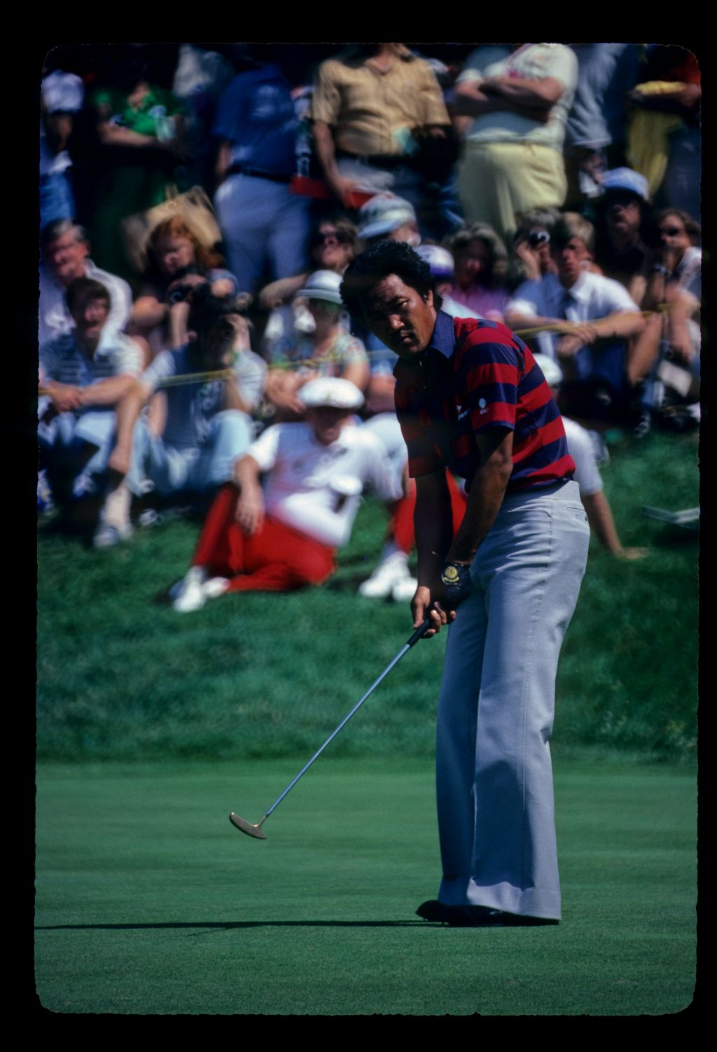 Isao Aoki putting on his way to second place at the 1980 US Open