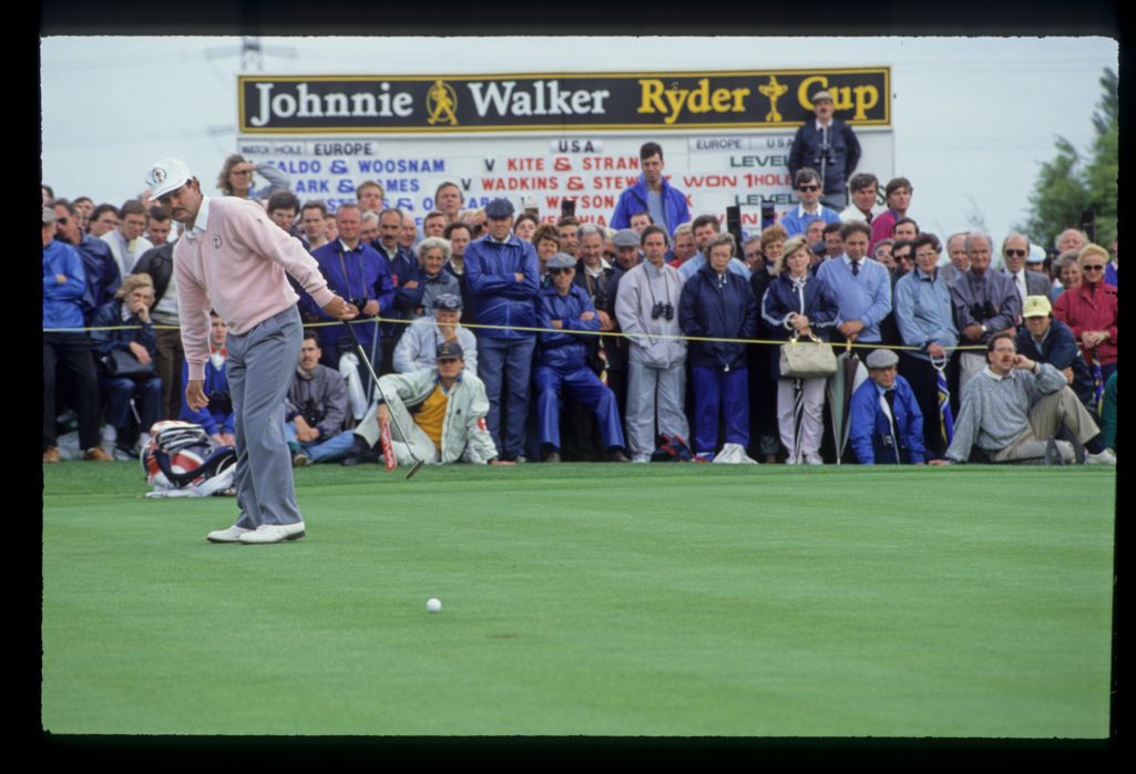 Gordon Brand Jr watching as his ball approaches the hole during the afternoon four-ball match on day one of the 1989 Ryder Cup