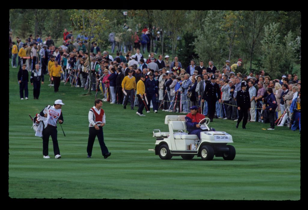 American captain Raymond Floyd keeping in touch and cheering Lanny Wadkins at the 1989 Ryder Cup