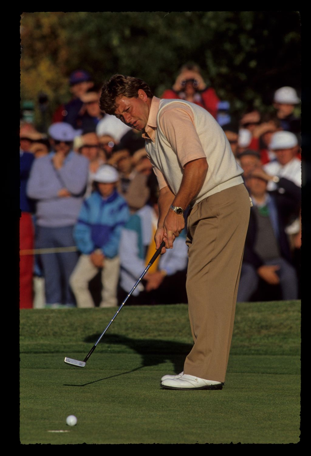 Ian Woosnam waiting for his putt to drop at the 1989 Ryder Cup