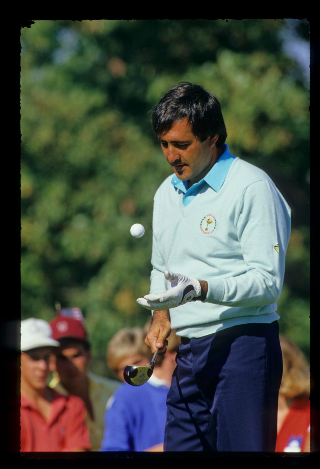 Severiano Ballesteros bouncing his ball on his driver's face at the 1987 Ryder Cup