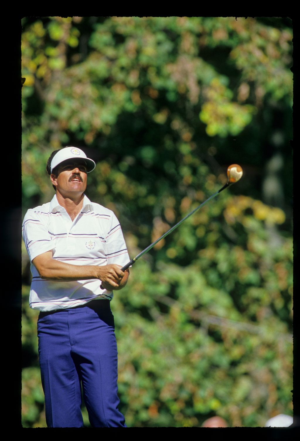 Scott Simpson watching his drive at the 1987 Ryder Cup