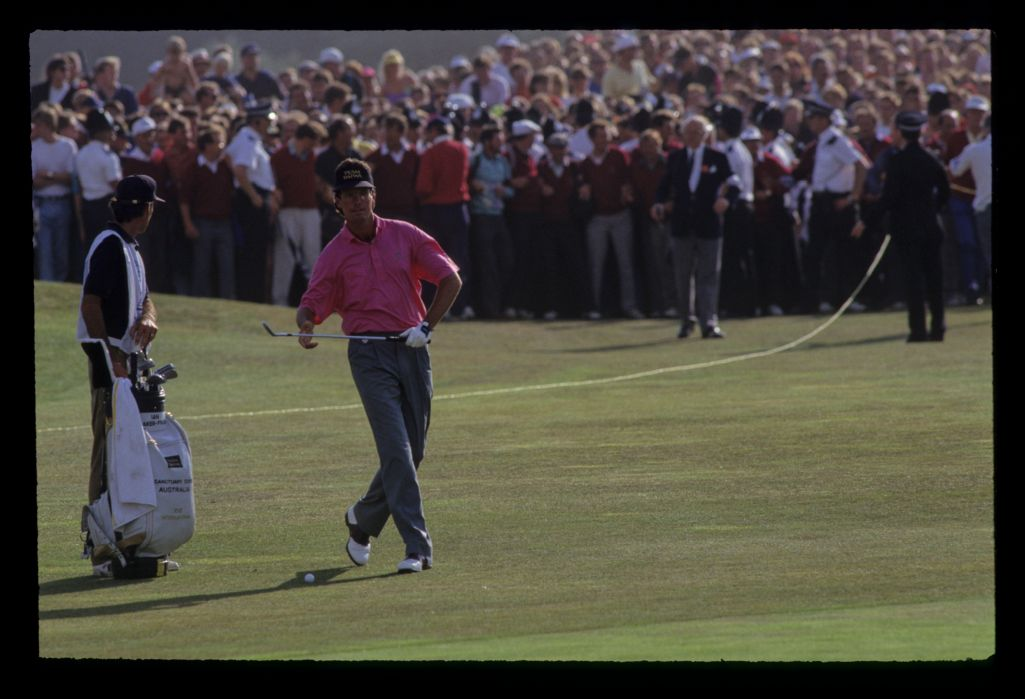 Ian Baker Finch preparing to hit his final chip on his way to winning the 1991 Open Championship