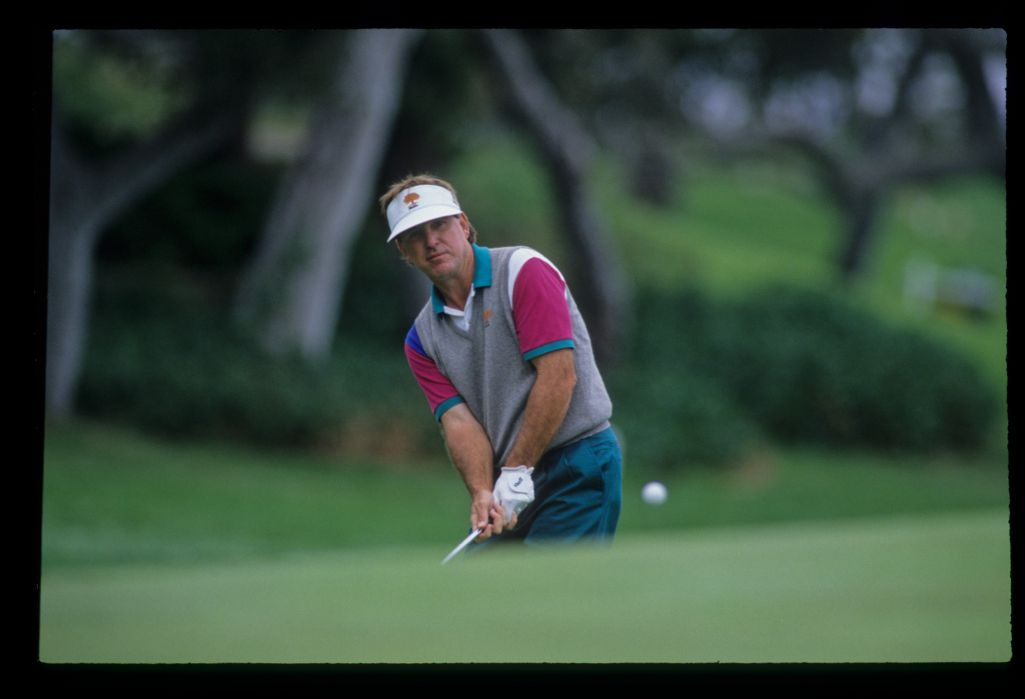 Gil Morgan chipping to the green during the 1992 US Open