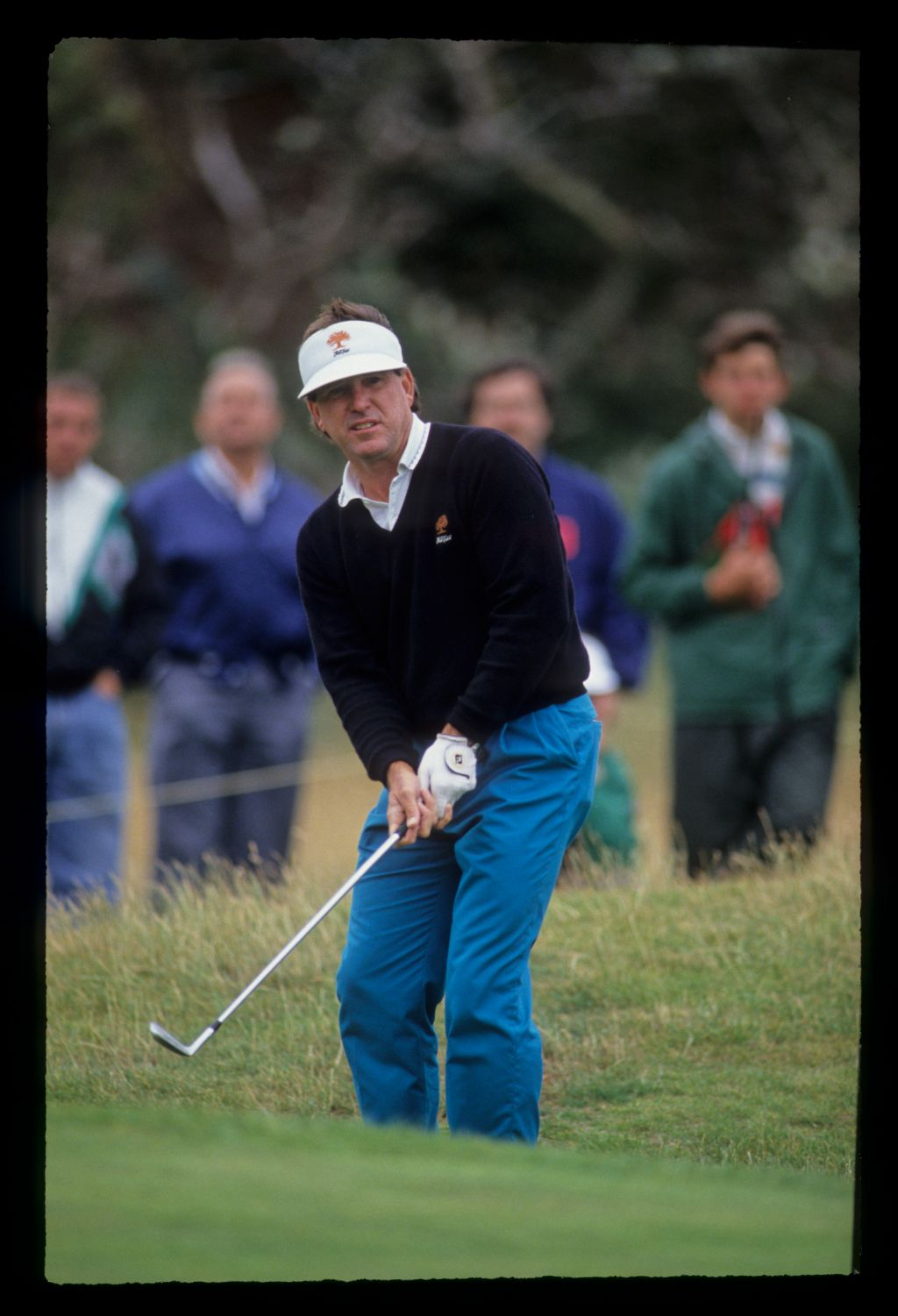 Gil Morgan chipping to the green during the 1991 Open Championship