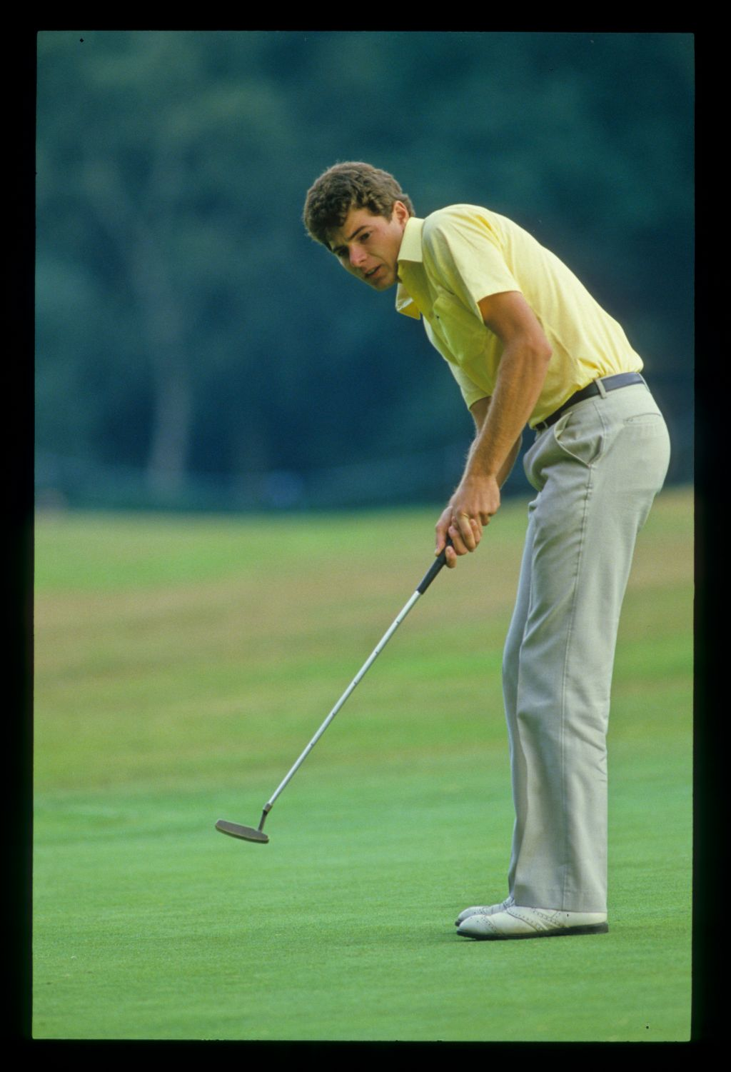 Philip Parkin putting during the 1986 Australian Masters