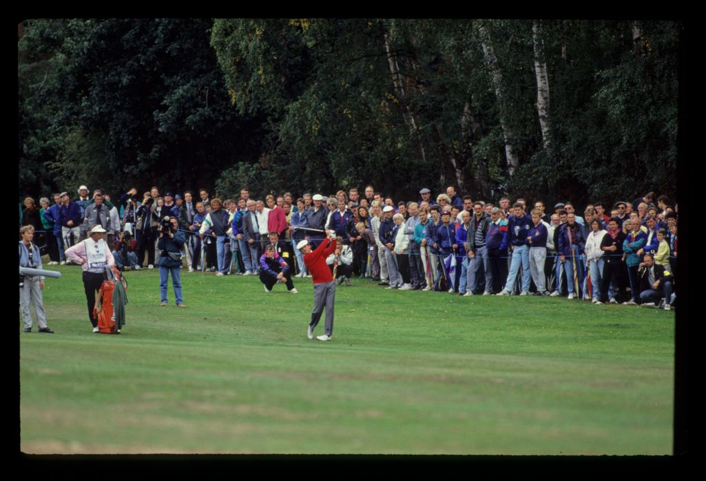 Mark McNulty following through on his way to second place during the 1990 Suntory World Matchplay