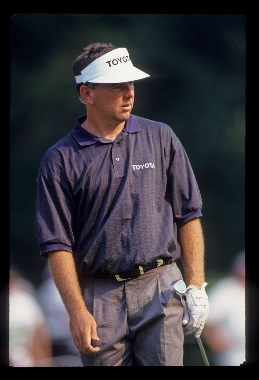 Mark O'Meara watching a putt closely during the 1993 US Open