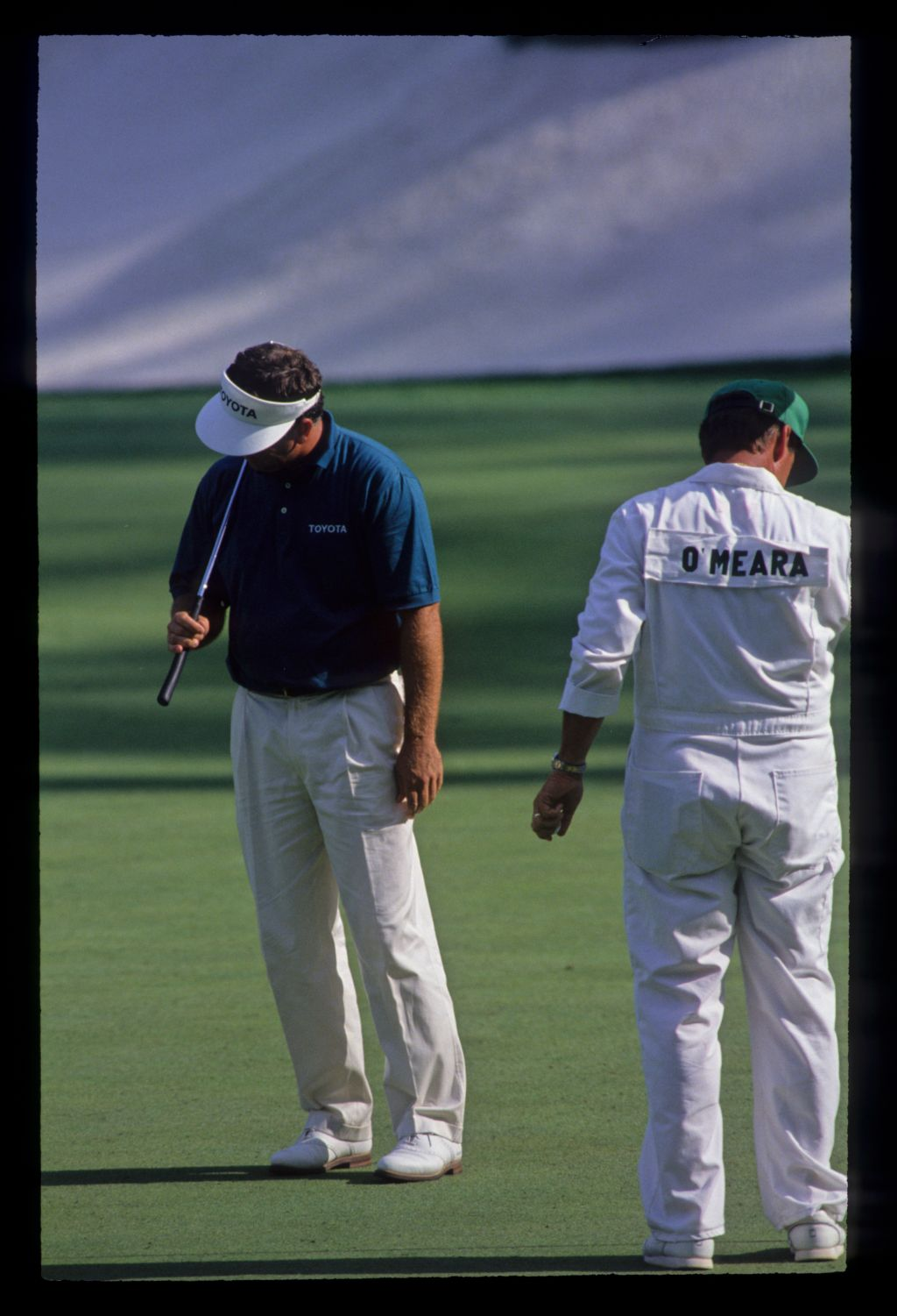 Mark O'Meara reacting to a putt on his way to fourth place during the 1992 Masters