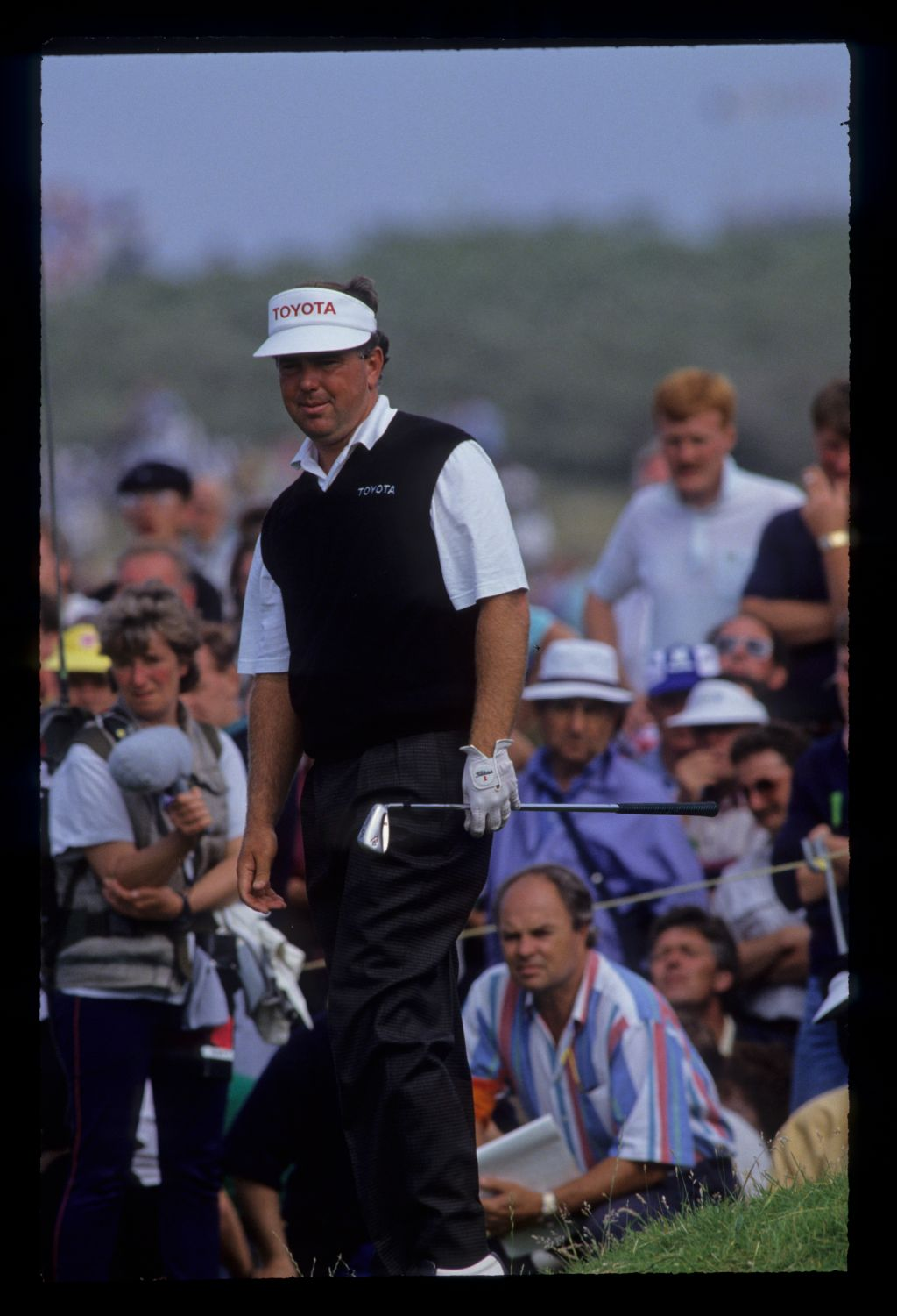 Mark O'Meara watching the result after chipping during the 1991 Open Championship