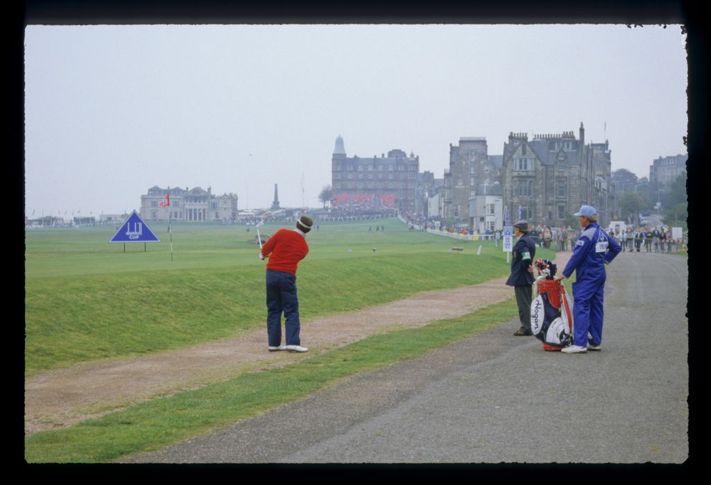 Mark O'Meara playing from the road on the 17th during the 1987 Dunhill Cup