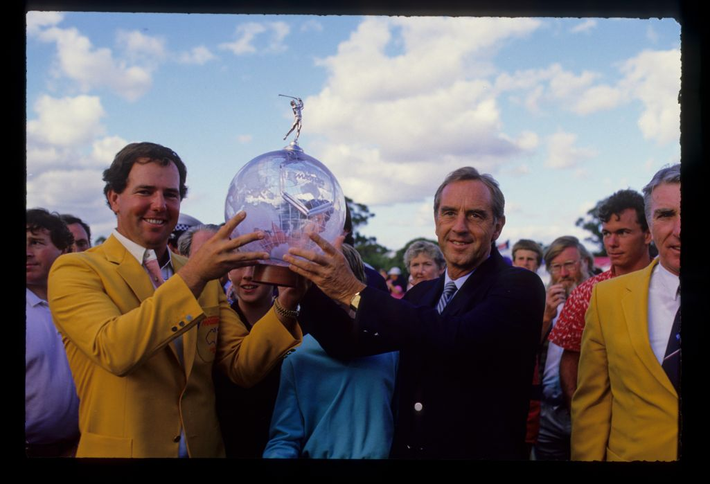 Mark O'Meara lifting the trophy after winning the 1986 Australian Masters