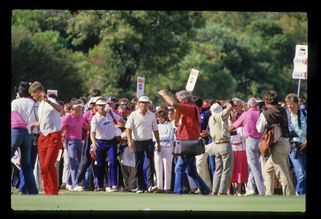 Mark O'Meara walking through the crowd on his way to winning the 1986 Australian Masters