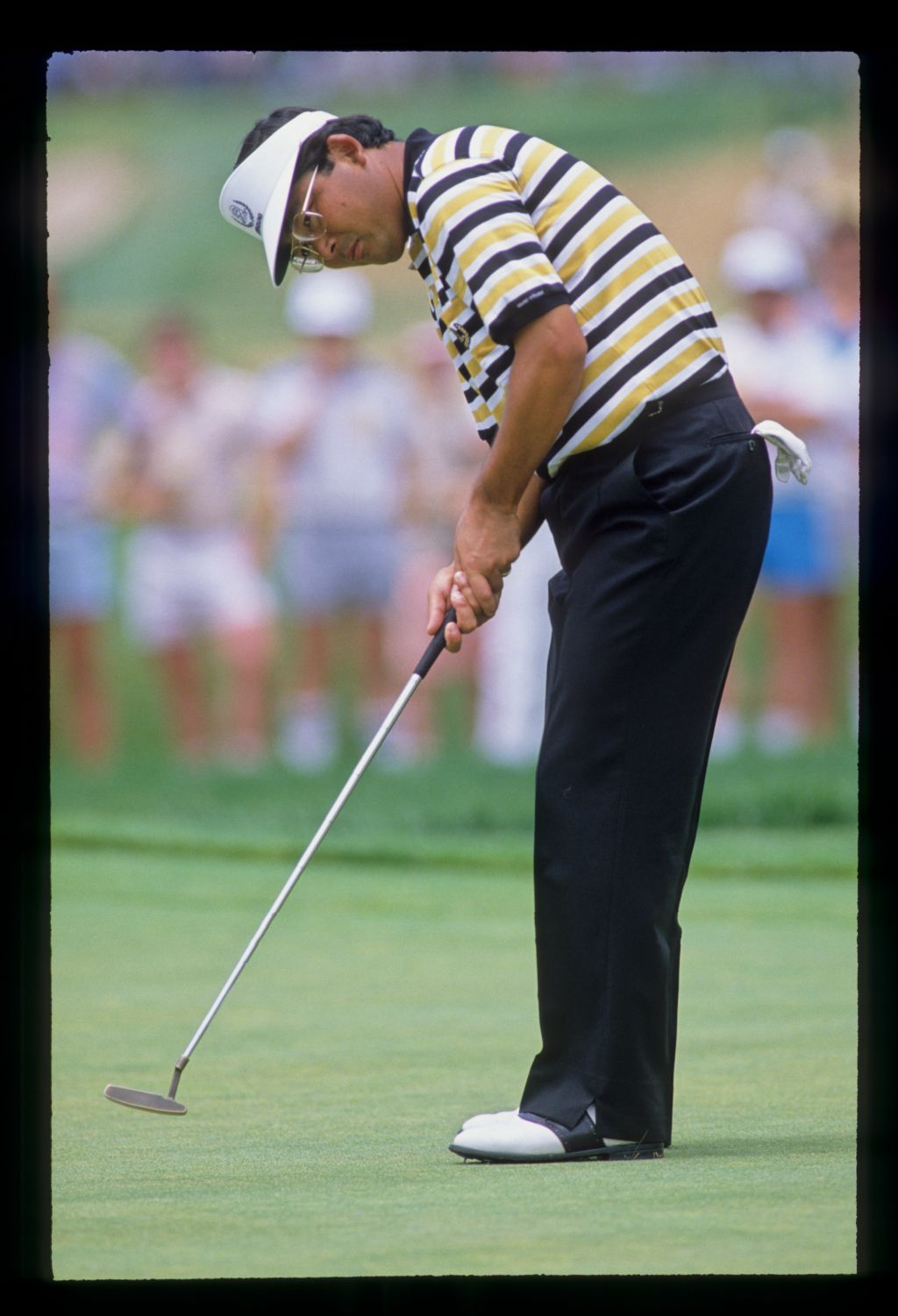 Tommy Nakajima putting during the 1988 US Open