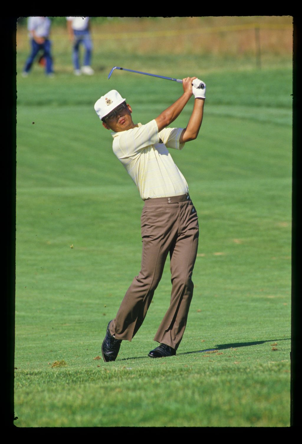 Tommy Nakajima watching closely from the fairway during the 1986 US Open