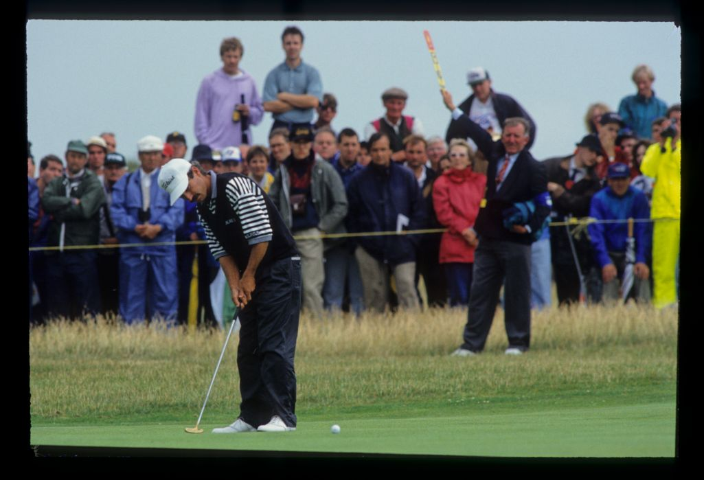 Corey Pavin putting on his way to fourth place during the 1993 Open Championship