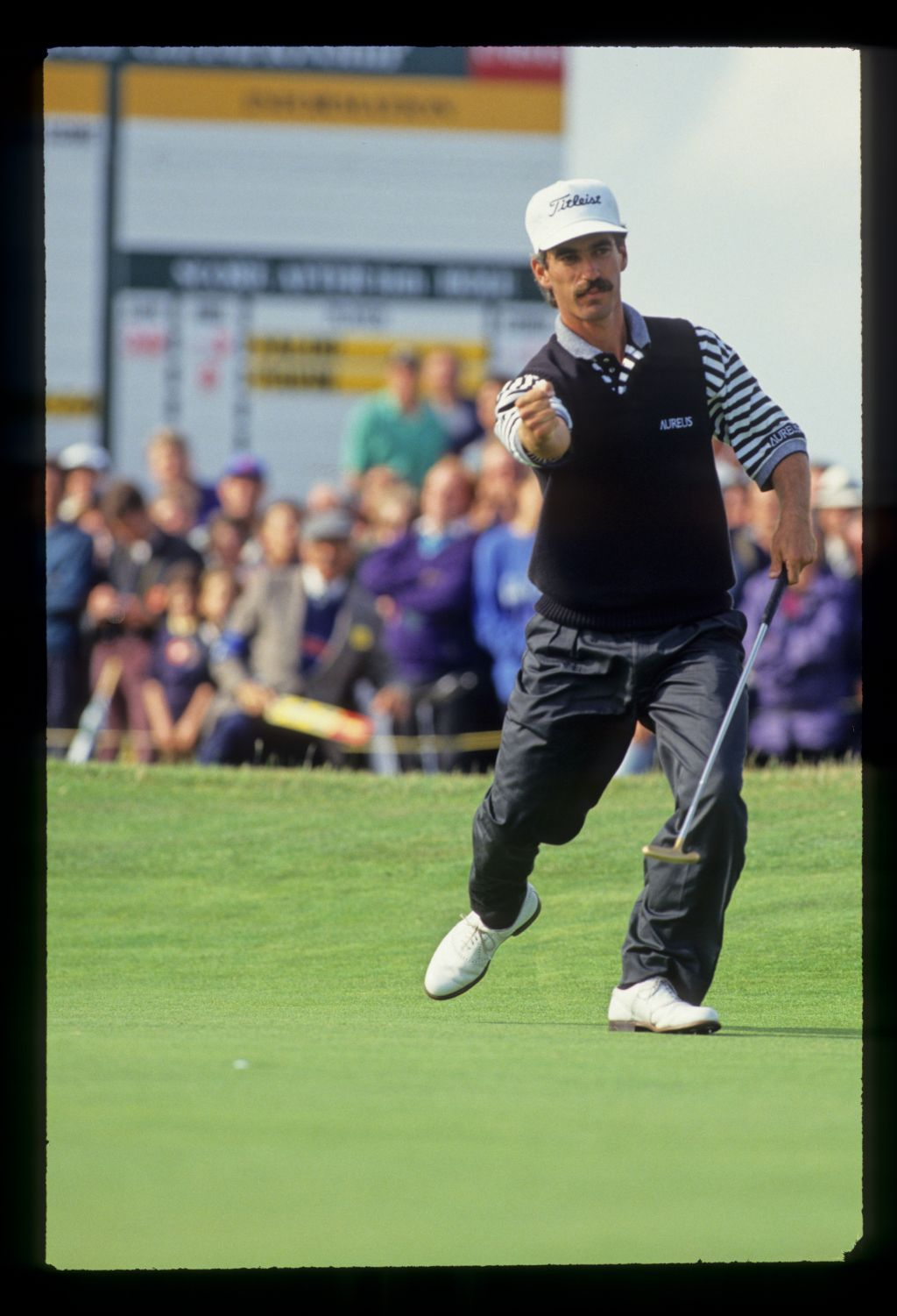 Corey Pavin giving a fist pump after a successful putt on his way to fourth place during the 1993 Open Championship