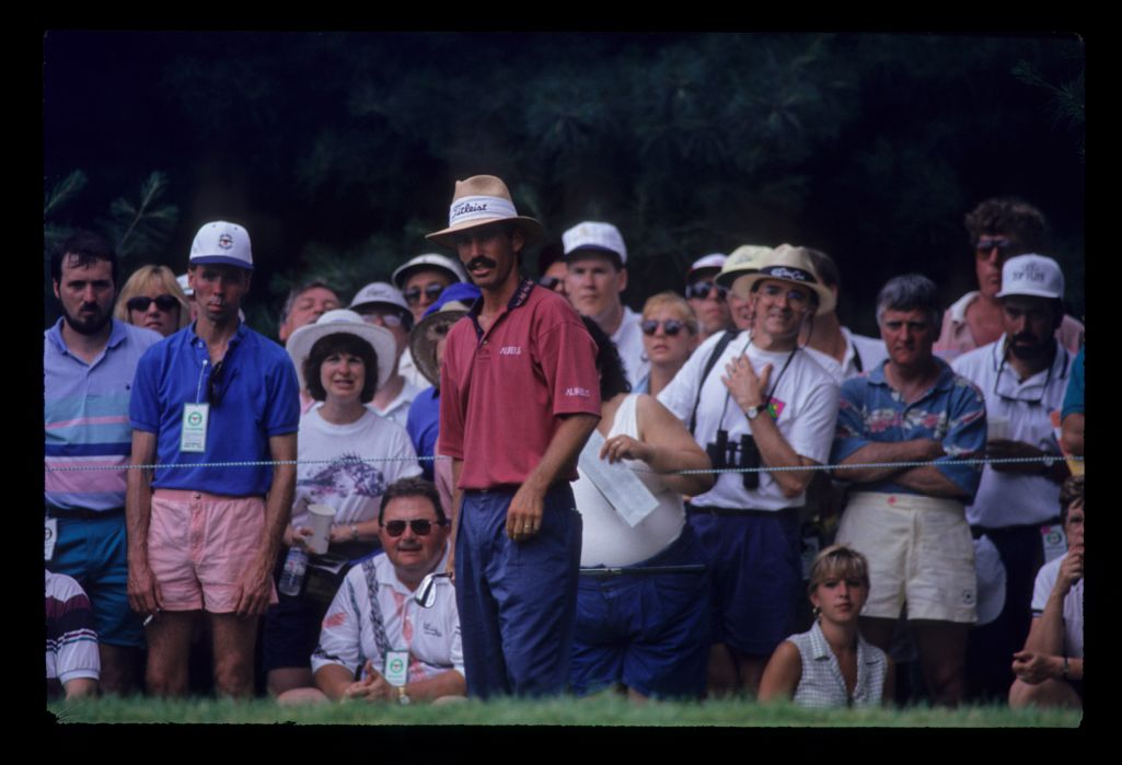 Corey Pavin considering an upcoming shot during the 1993 US Open