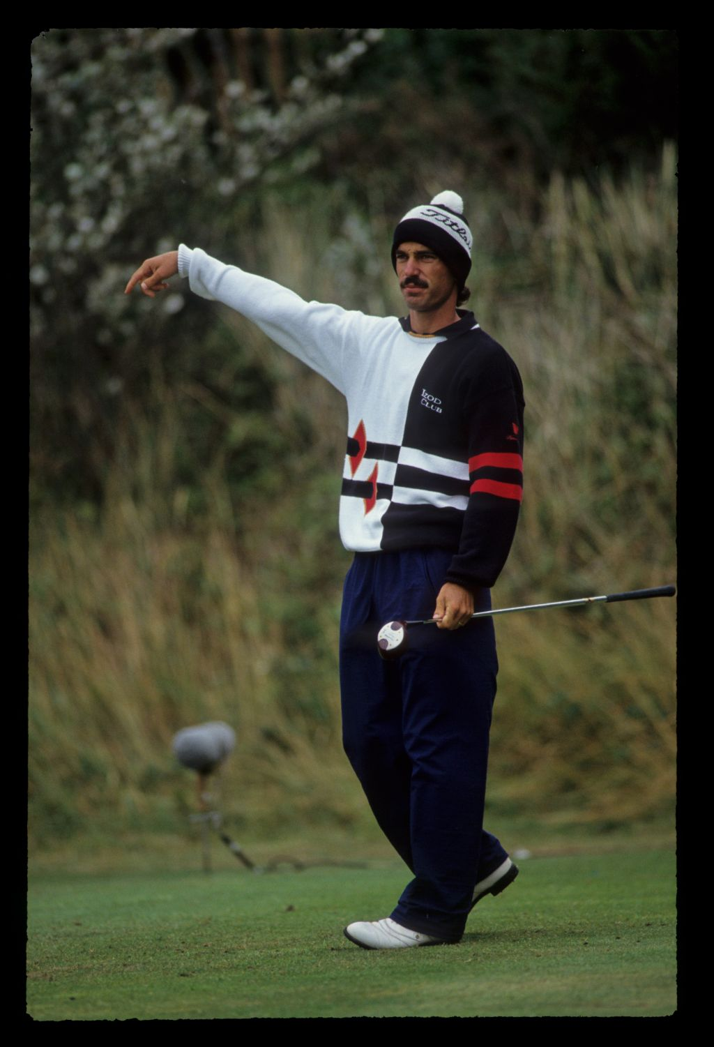 Corey Pavin gesturing from the tee during the 1991 Open Championship