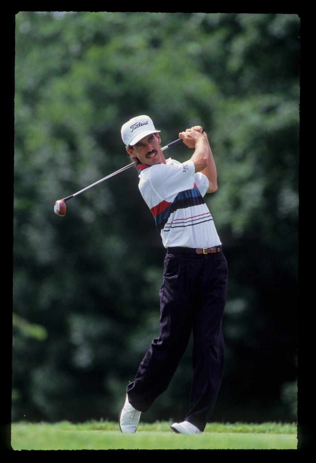 Corey Pavin following through on his way to 10th place during the 1991 US Open