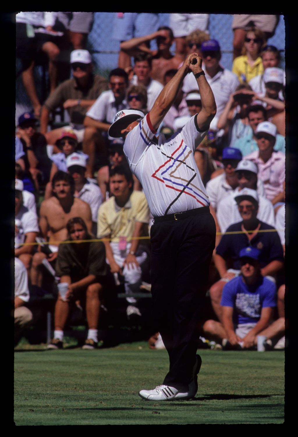 Scott Simpson hands high on the tee during the 1991 US Open