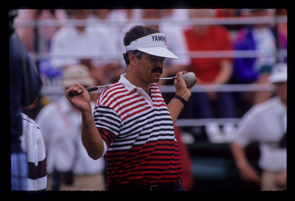 Scott Simpson limbering up on the tee during the 1991 US Open