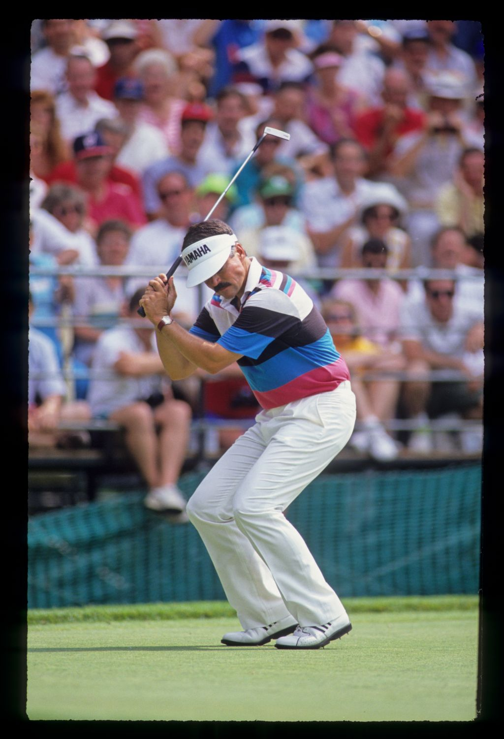 Scott Simpson showing emotion on the green in front of the gallery during the 1990 US Open