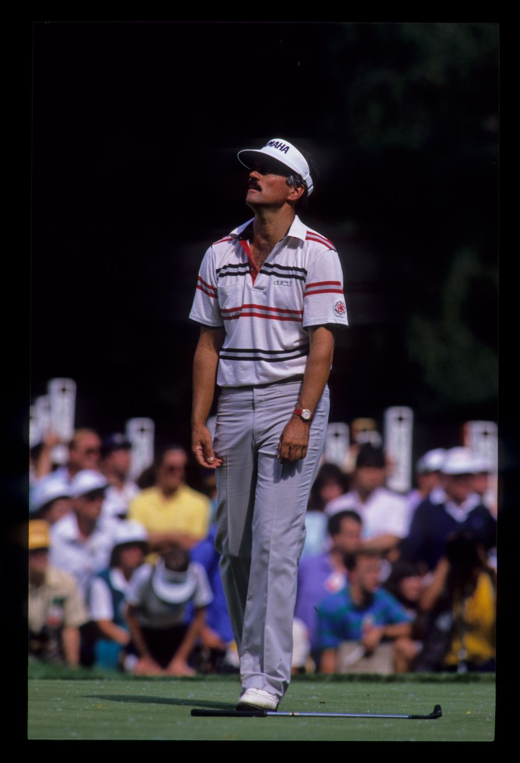 Scott Simpson dropping his putter on the green during the 1989 US Open