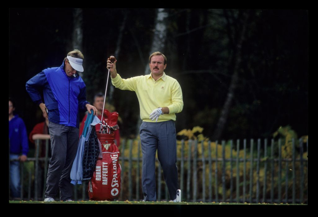 Ronan Rafferty making his club selection on the tee during the 1989 Suntory World Matchplay