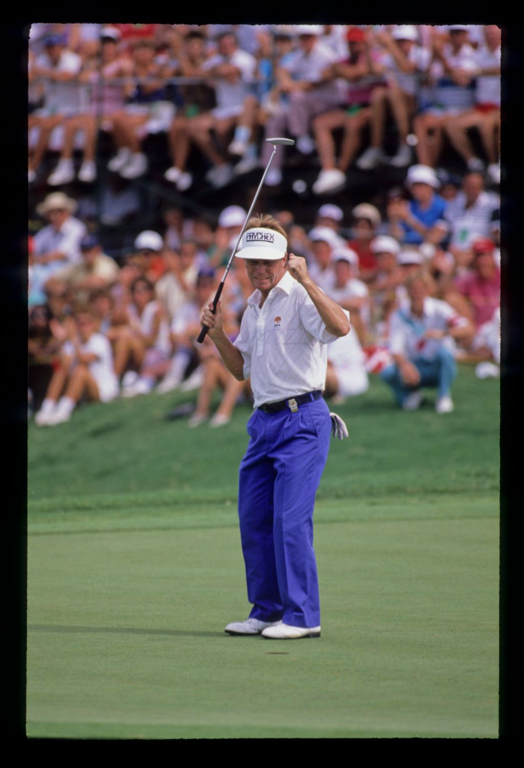 Jeff Sluman sinking the winning putt at the 1988 USPGA