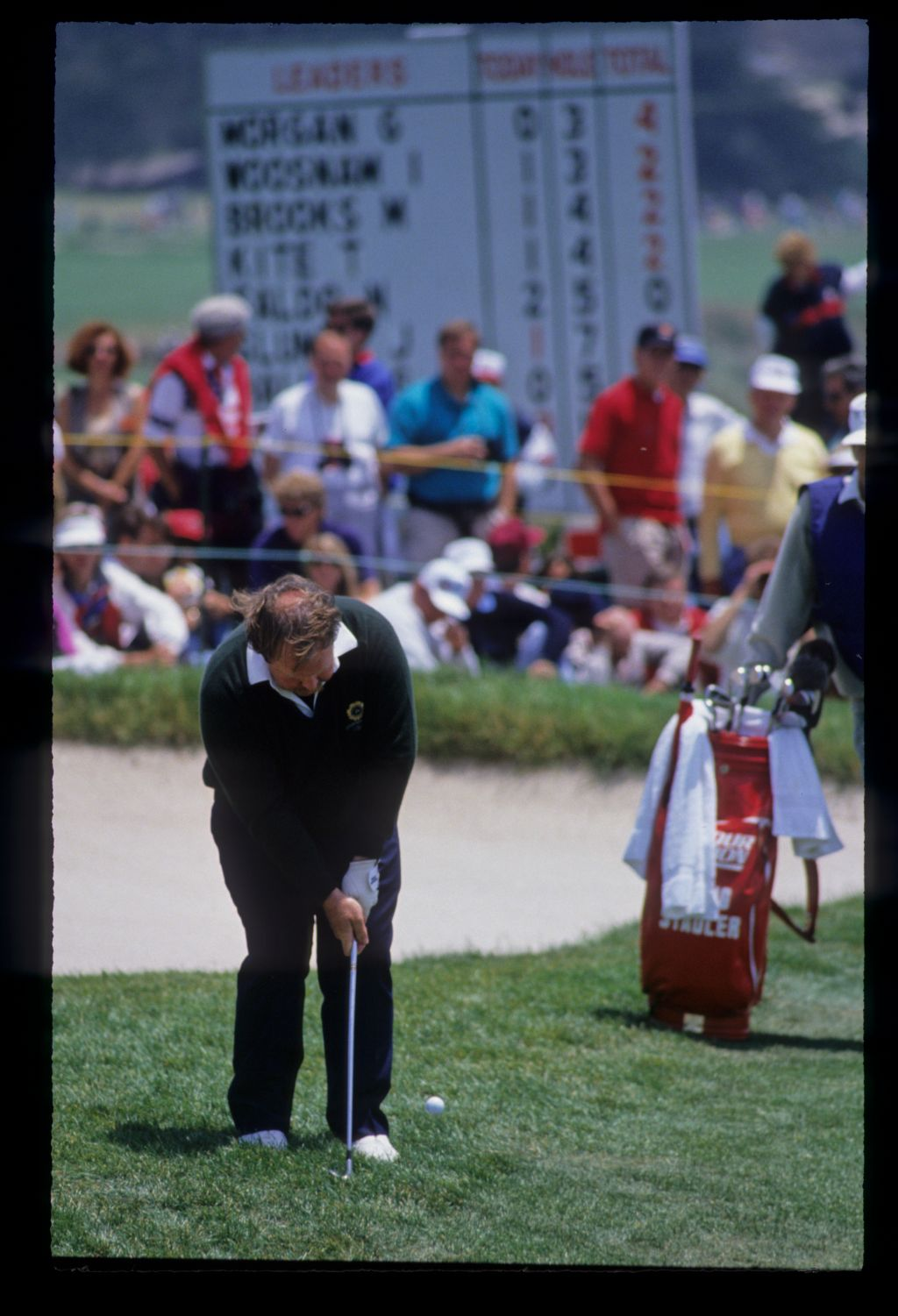 Craig Stadler chipping from the greenside rough during the 1992 US Open