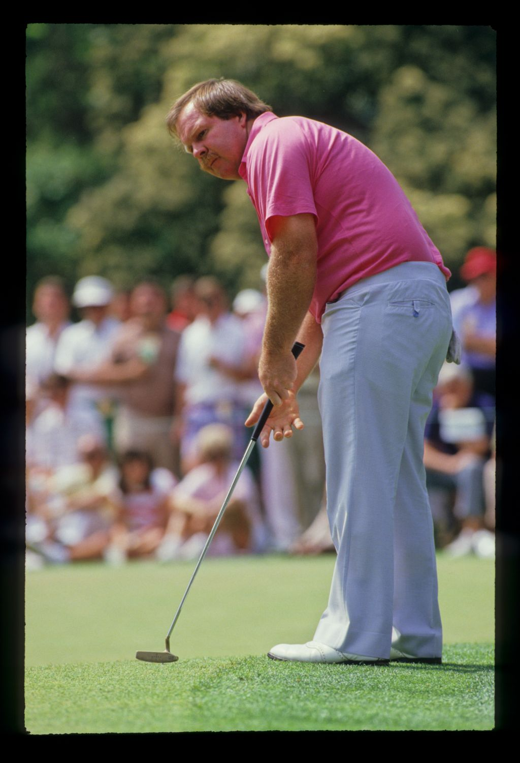 Craig Stadler putting from the fringe during the 1988 Masters