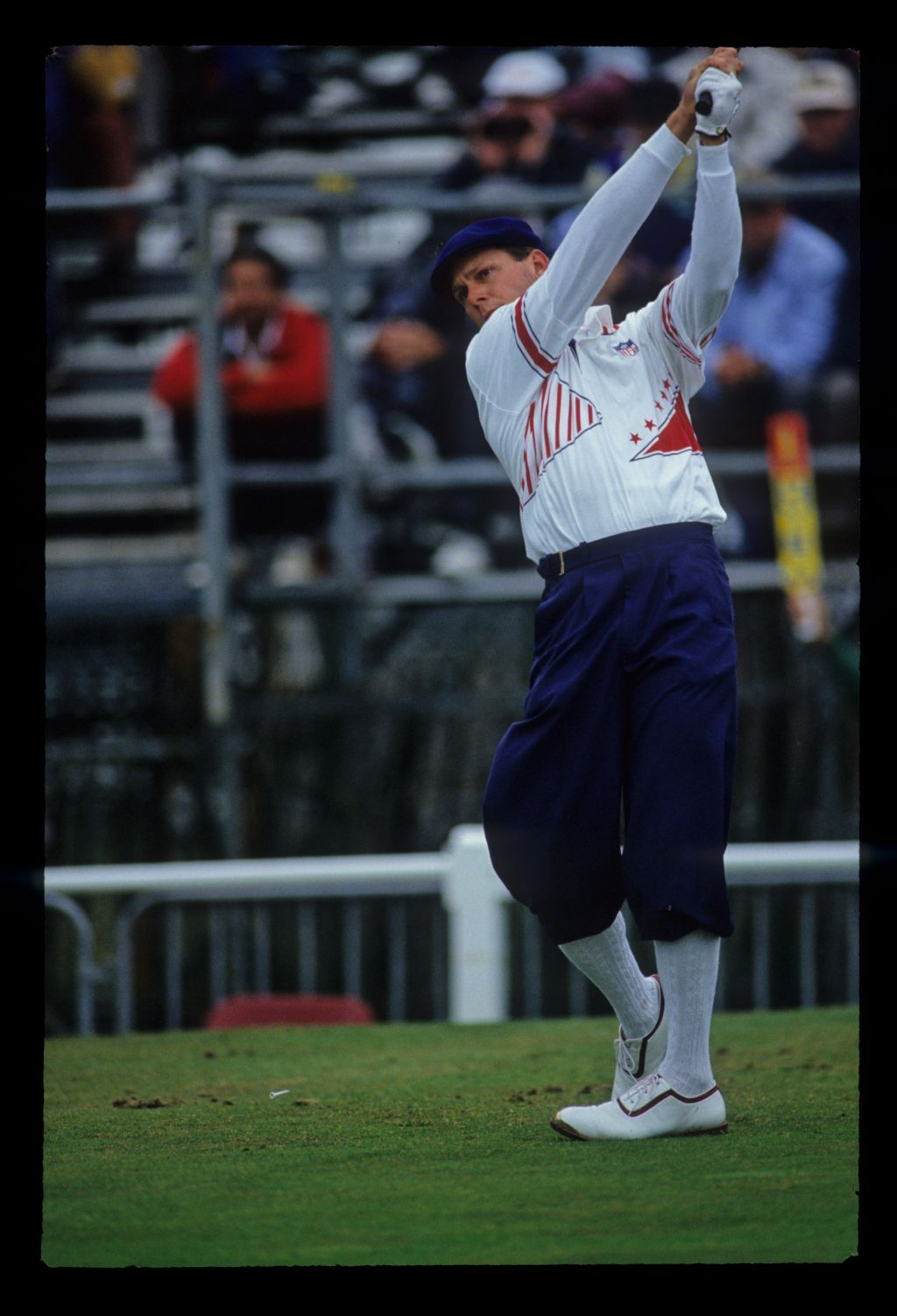 Payne Stewart driving during the 1993 Open Championship.