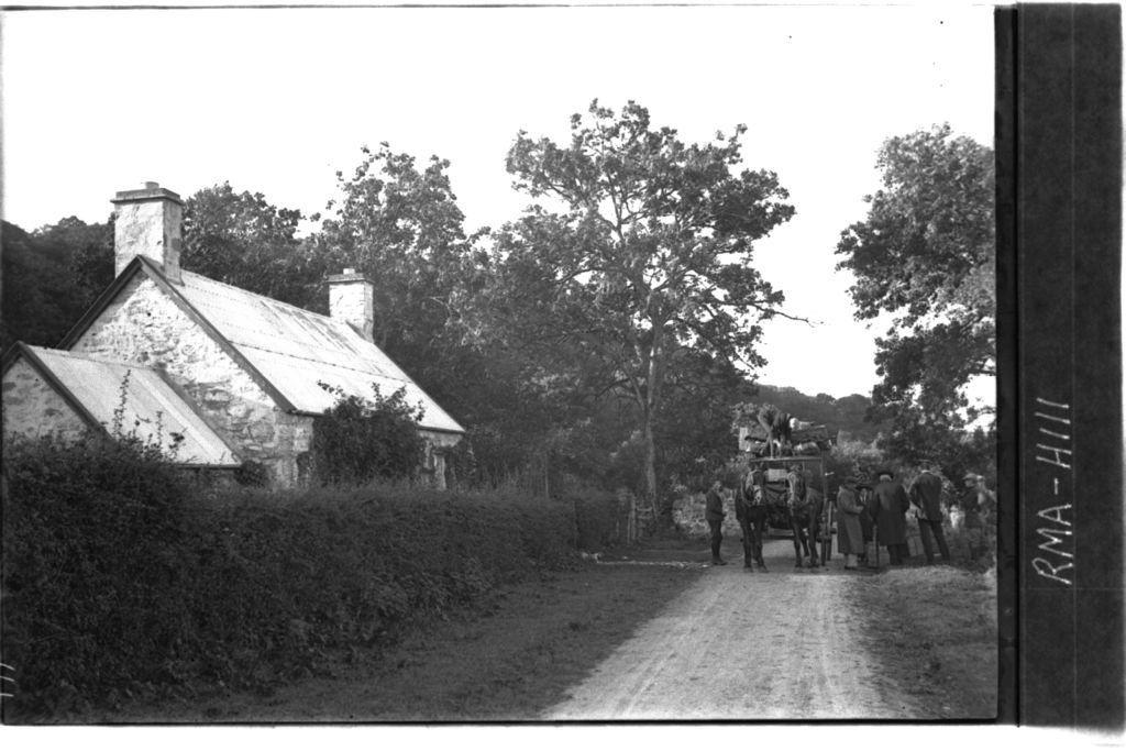 Mail coach, Dunornsay Cottage.