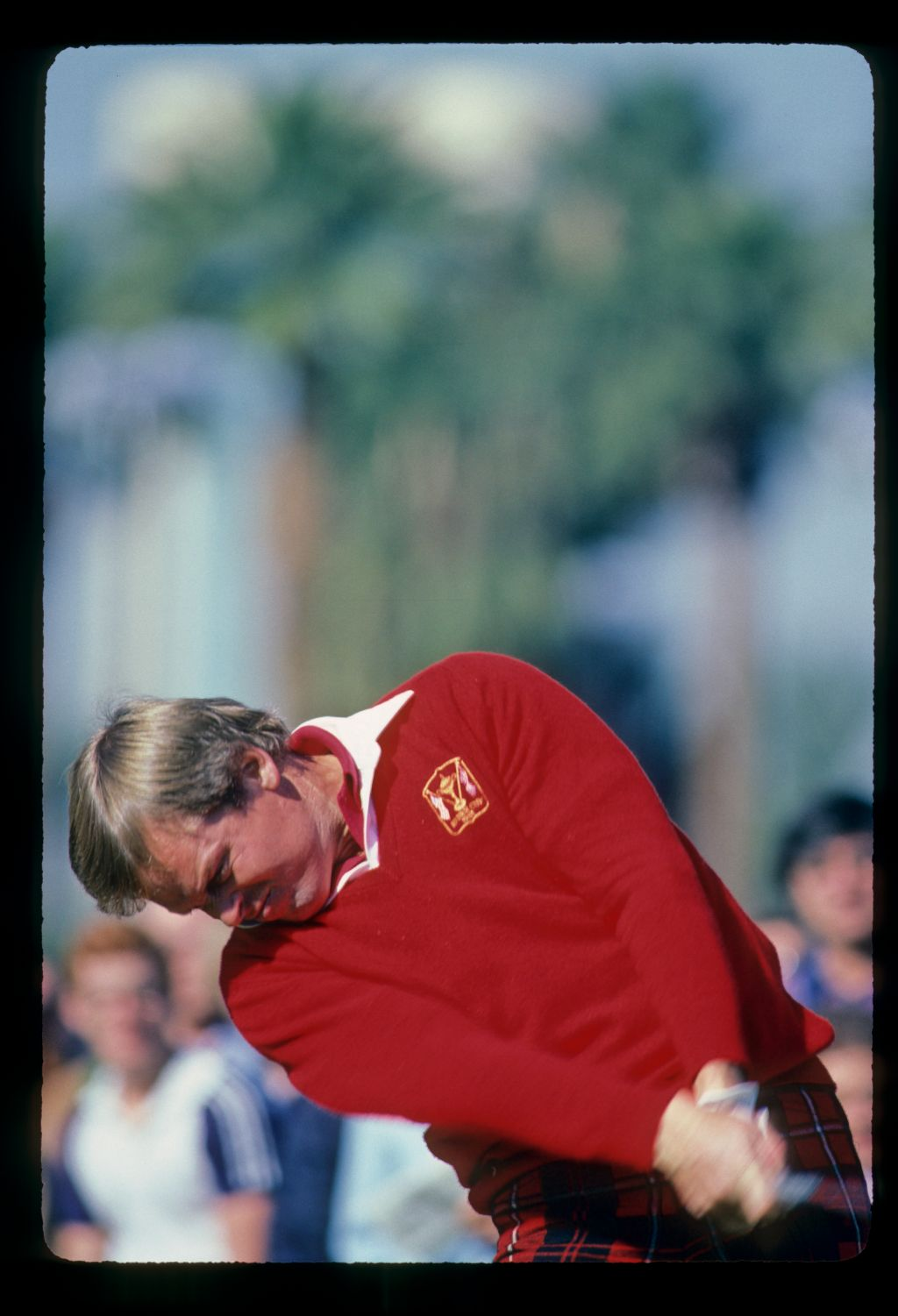 Johnny Miller extending through a drive during the 1982 Phoenix Open