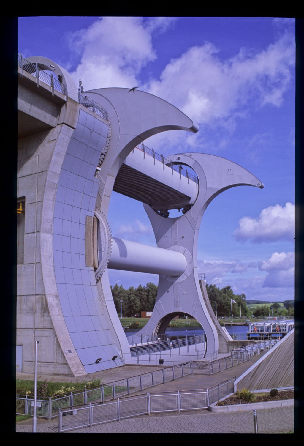 The Falkirk Wheel, Union Canal.
