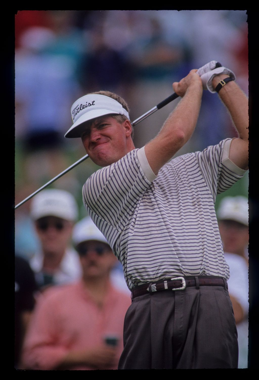 Steve Elkington hands high on the tee during the 1992 Masters