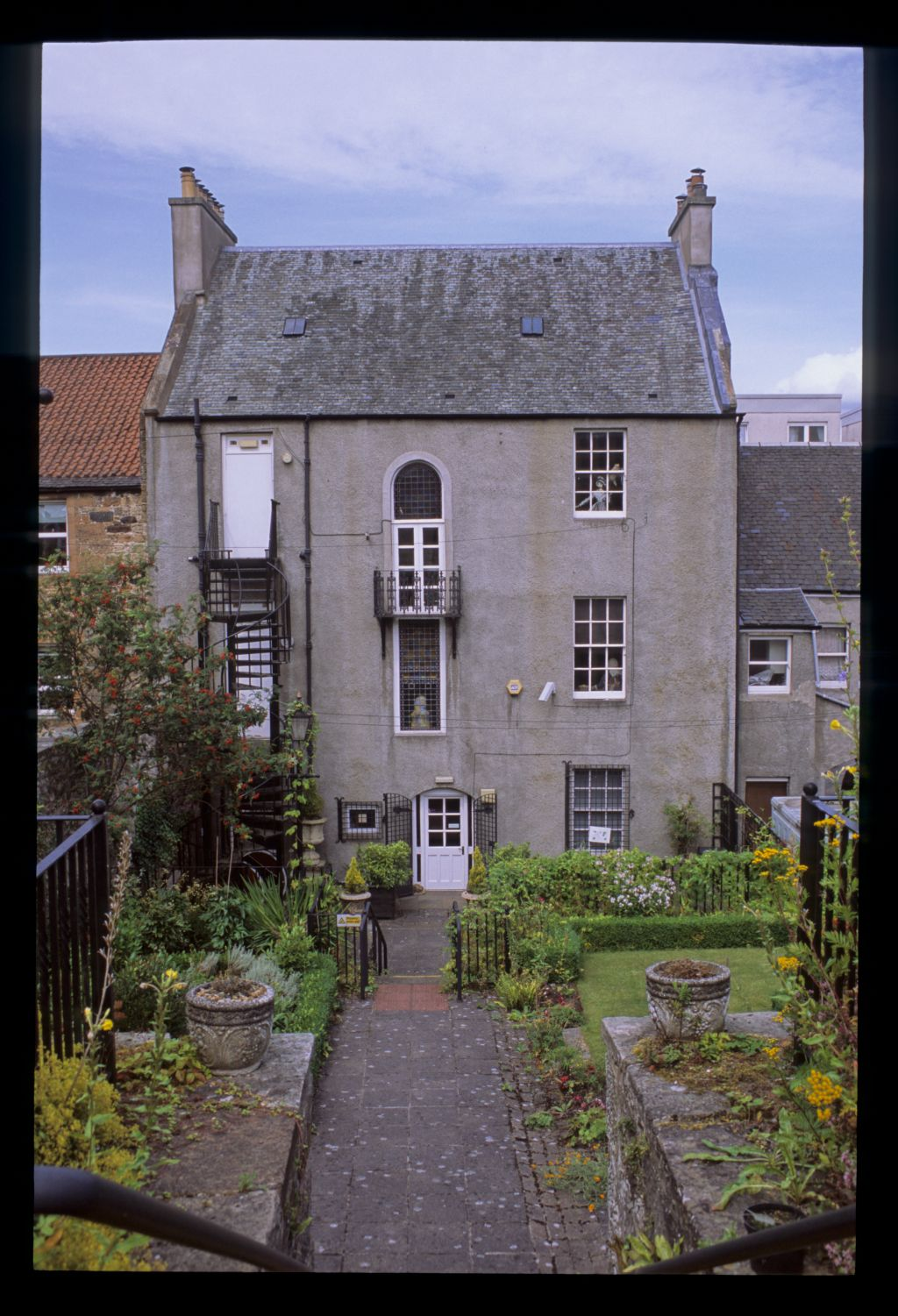 The back of Annet House Museum, Linlithgow.