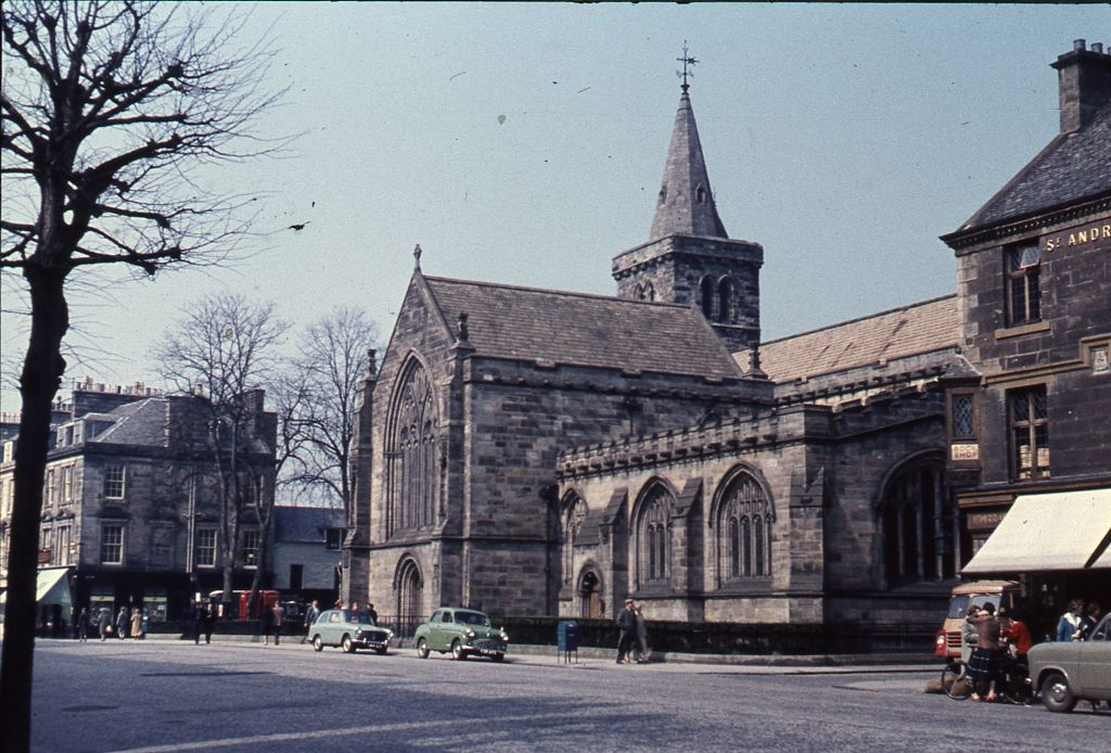 Holy Trinity Church (the town kirk), St. Andrews, from the south-east