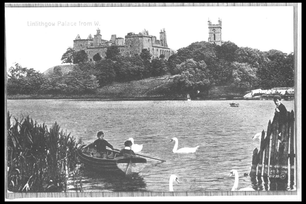 Linlithgow Palace from W.
