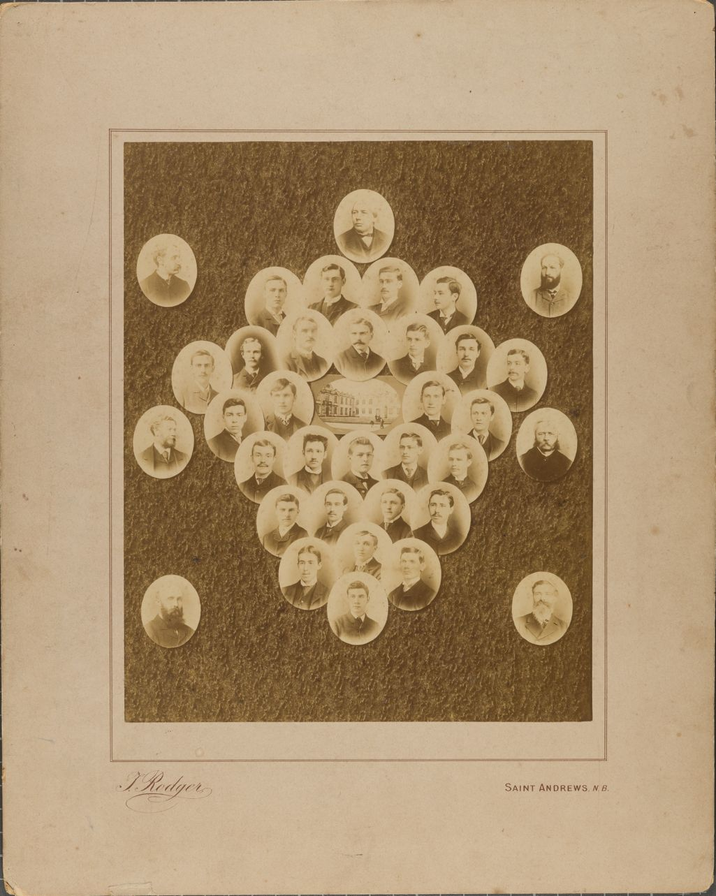 [Group portrait, St Andrews University]