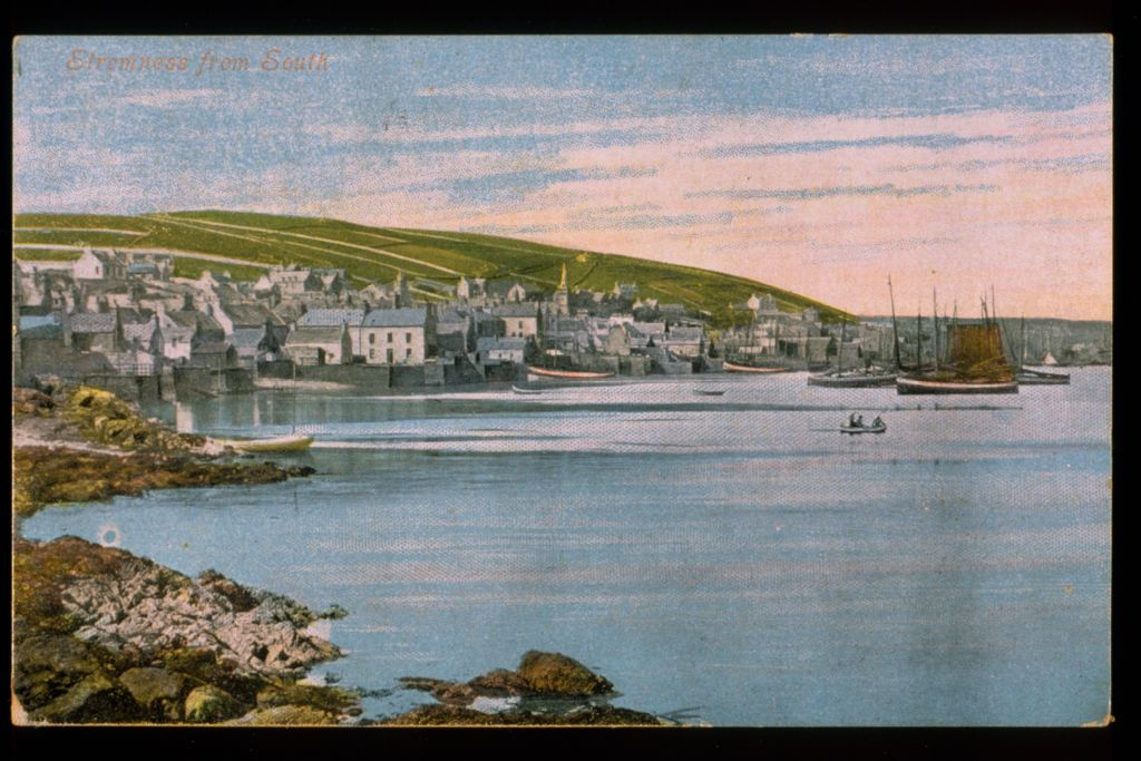 Stromness from south.