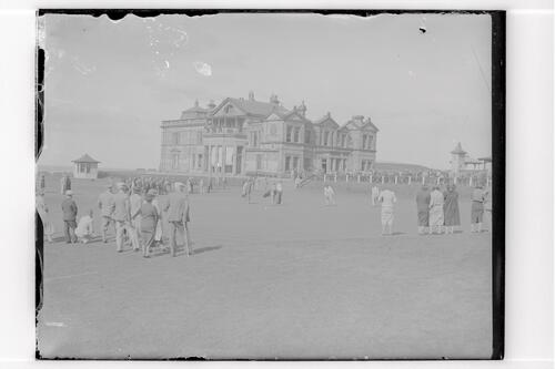 Golfers on the 18th green, the Old Course, St Andrews.