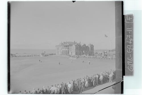 Senior golfers on the 18th Green, the Old Course, St Andrews.