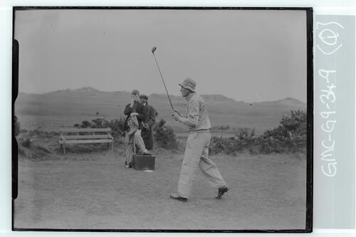The Walker Cup Match 1934. Lionel Munn tees off on the Old Course, St Andrews.
