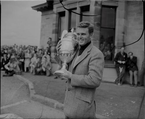 The winner Harvie Ward (USA) with the Amateur trophy, the Final of the British Amateur Golf Championship, Prestwick.